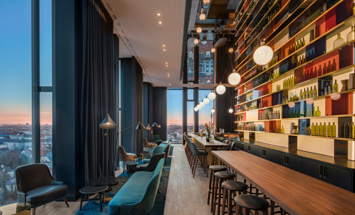 Bar M'uniqo - Andaz hotel Munich credits Wouter van der Sar for concrete