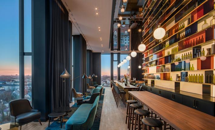 Bar M'uniqo - Andaz hotel Munich credits Wouter van der Sar for concrete