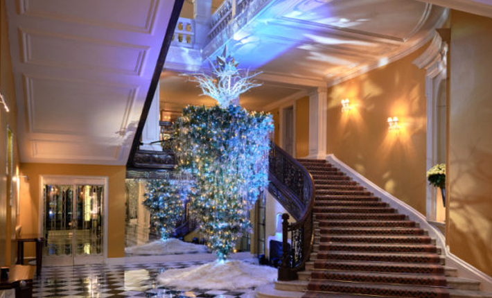 Claridge´s Christmas Tree by Karl Lagerfeld