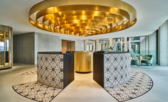 Entrance QO Hotel Amsterdam