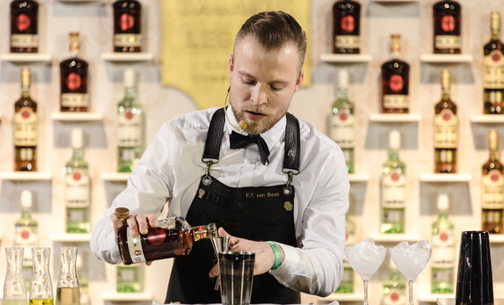 Eric van Beek makes his winning cocktail Cariño at the Bacardí Legacy Cocktail Competition 2018