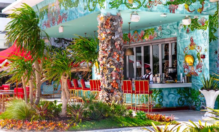 Faena Hotel Miami Beach - Sunbar - credits Bill Wisser