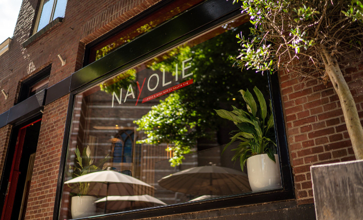 Food & Wine bar Nayolie by Kelvin Lin - exterieur