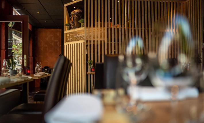 Food & Wine bar Nayolie by Kelvin Lin - interieur