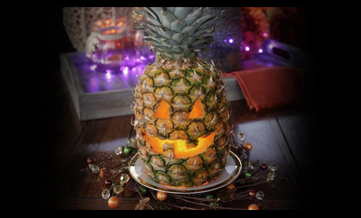 Jack O Lantern from Ananas by Dole