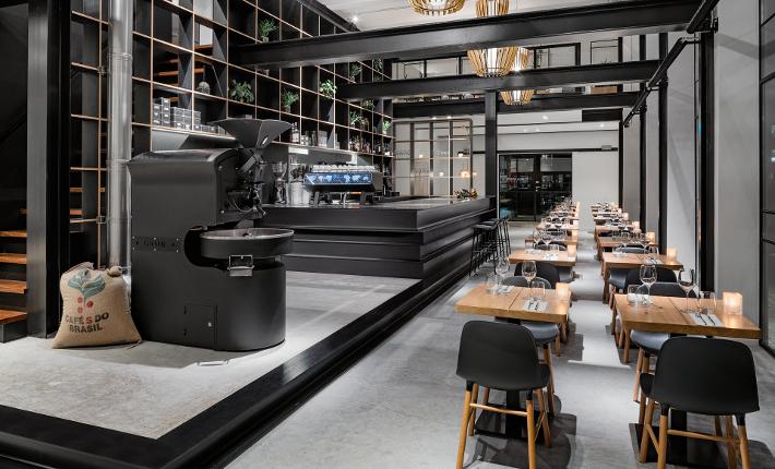 Capriole cafe Interior