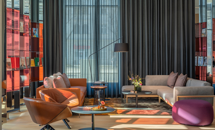Lobby Andaz hotel Munich credits Wouter van der Sar for concrete