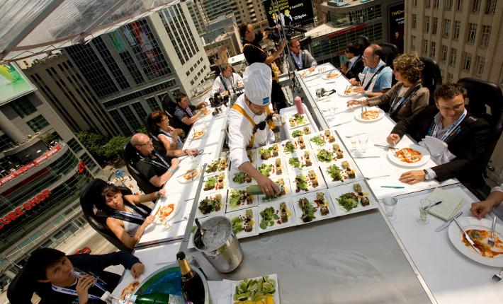 'Dinner in the Sky' Toronto