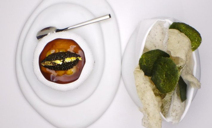 Richard Ekkebus (Amber) at Chefs(R)evolution via www.apicbase.com