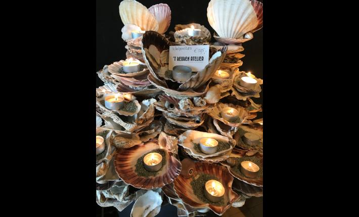 Te koop bij de Koskmes Experience Store, de oesterrotsen van Keuken Atelier