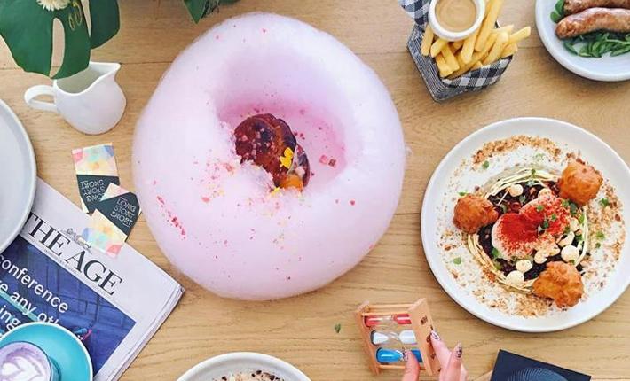 The Fairy Floss Dessert Burger