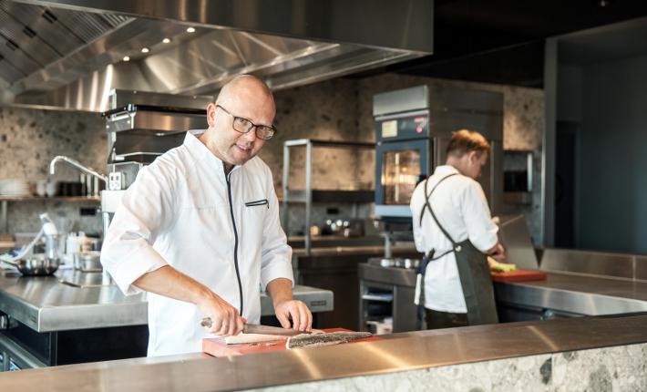 Wim Severein van restaurant The Millèn in het Marriott Hotel Rotterdam